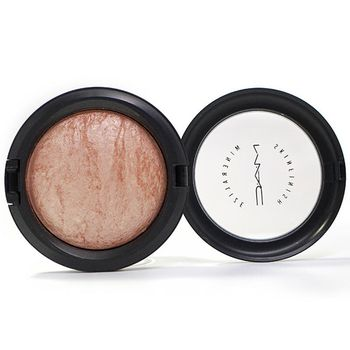 M·A·C Mineralize Skinfinish Highlighter